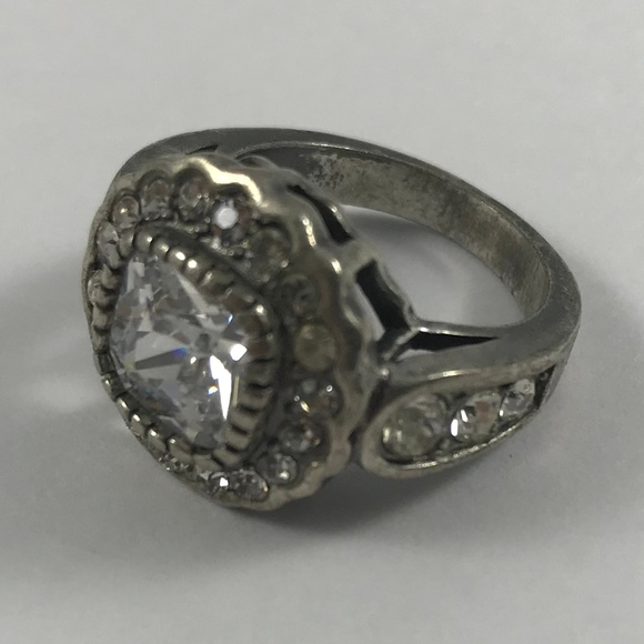 Vintage Jewelry - Vintage Silver Tone Ring, Size 5.5